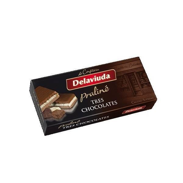 """THREE CHOCOLATE PRALINÉ TURRON """"DELAVIUDA"""" (300 G)"""