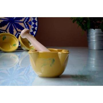YELLOW MORTAR AND PESTLE