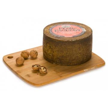 WHOLE OLD SHEEP CHEESE APPROX. 3.4KG FLOR DE ESGUEVA